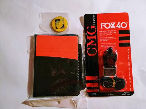 Купить КОМПЛЕКТ СВИСТОК ФОКС 40-й  ОТКРЫТКИ СУДЬИМОНЕТА на Eurozakup - цены и фото - доставка из Польши и стран Европы в Украину.