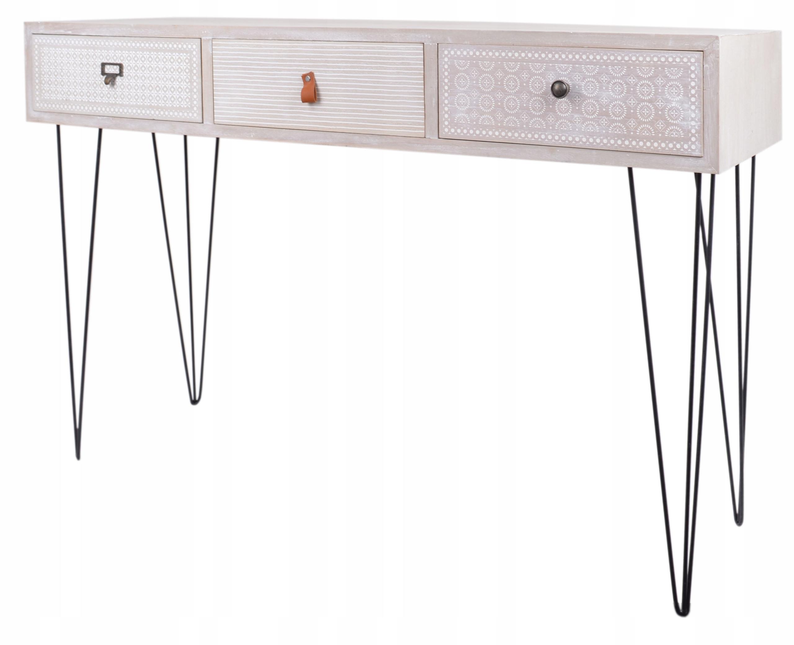 Šedý konzolový stôl s drevenými ozdobami