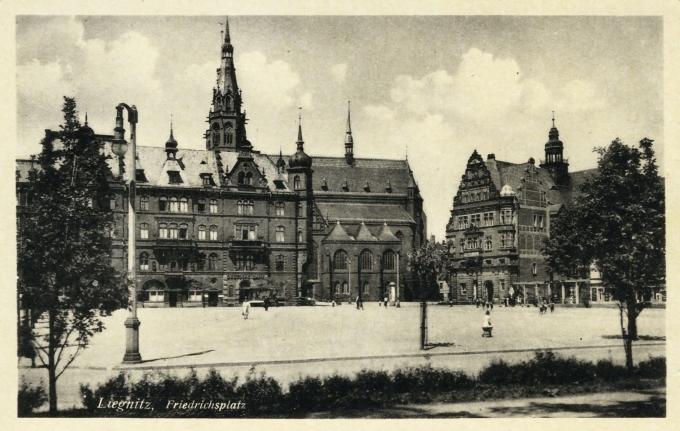 Liegnitz [Legnica]. Friedrichsplatz. 194-?
