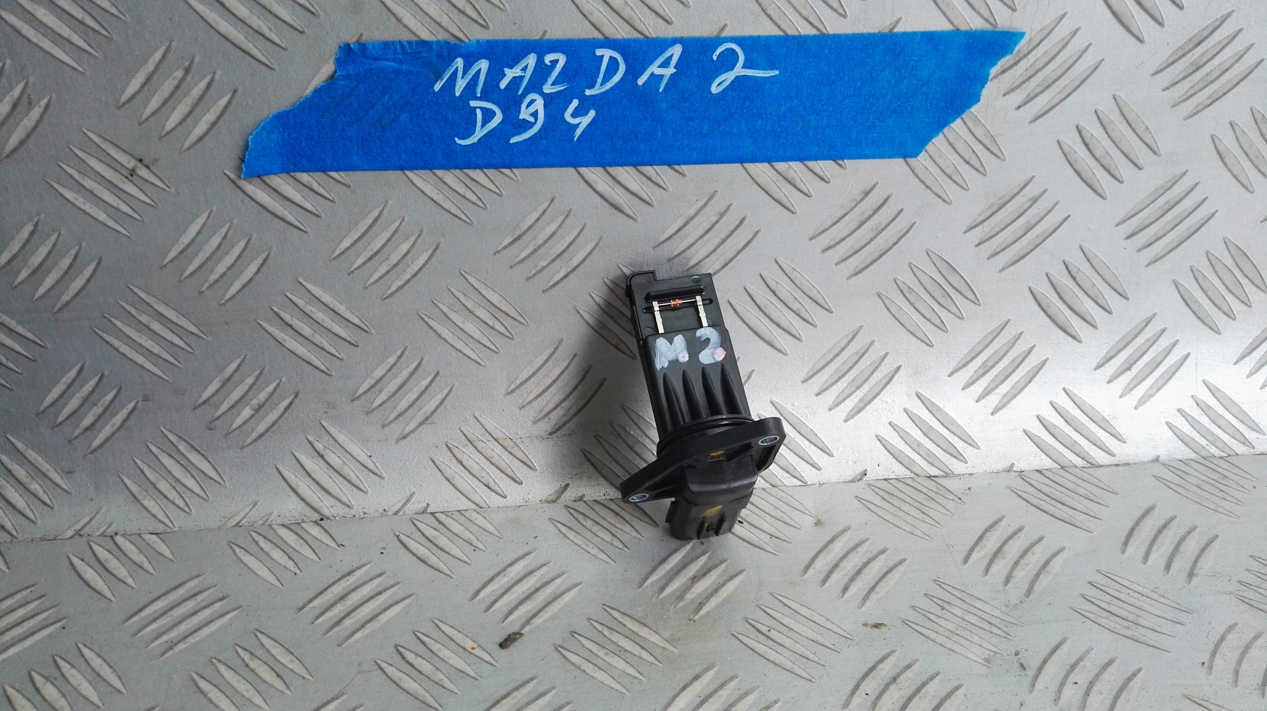 Mazda 2 SkyPassion 2016r przepływomierz E5T62271