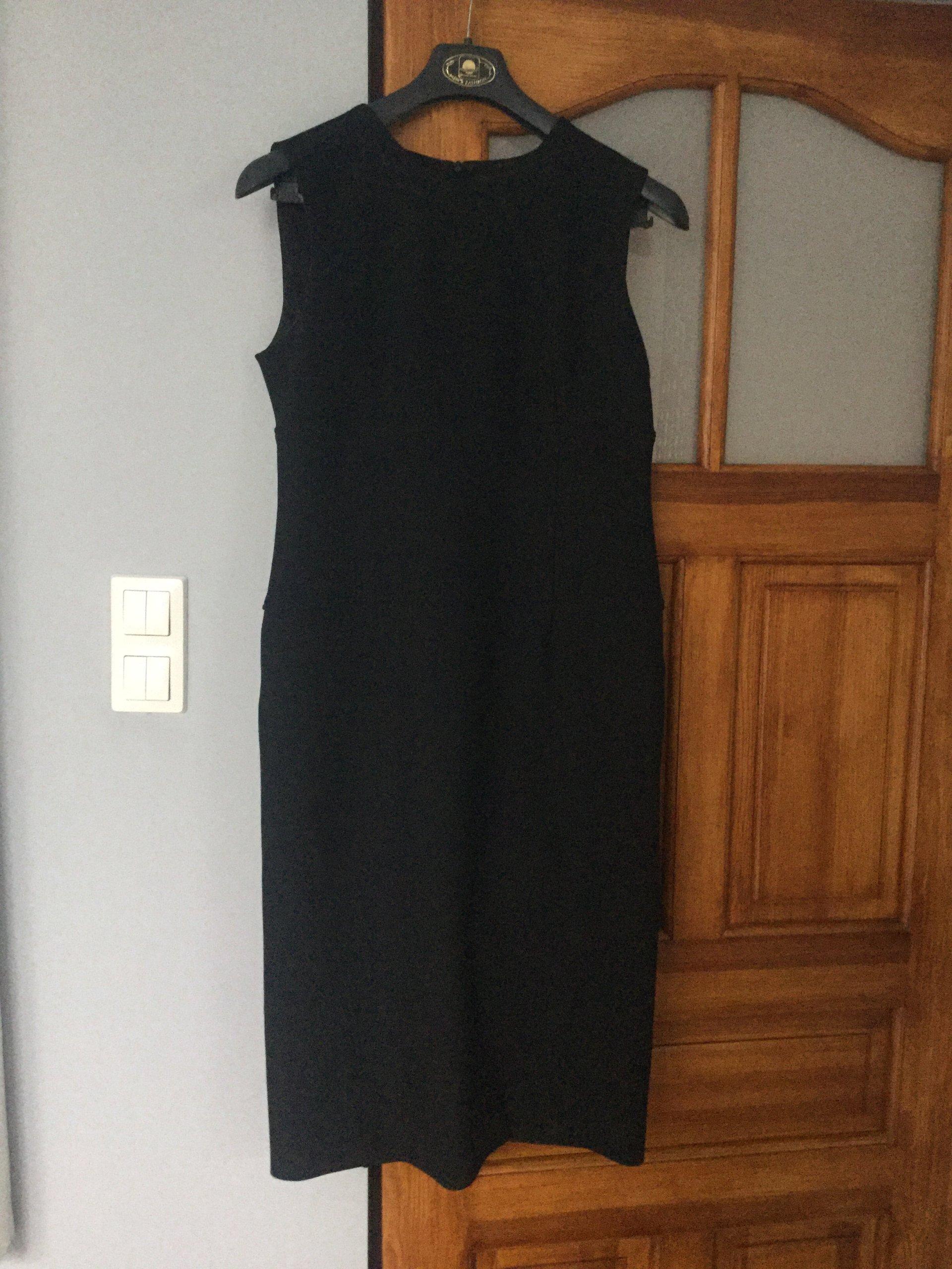 108d4d23e6 Sukienka czarna rozm 42 SIMPLE - 7181859409 - oficjalne archiwum allegro