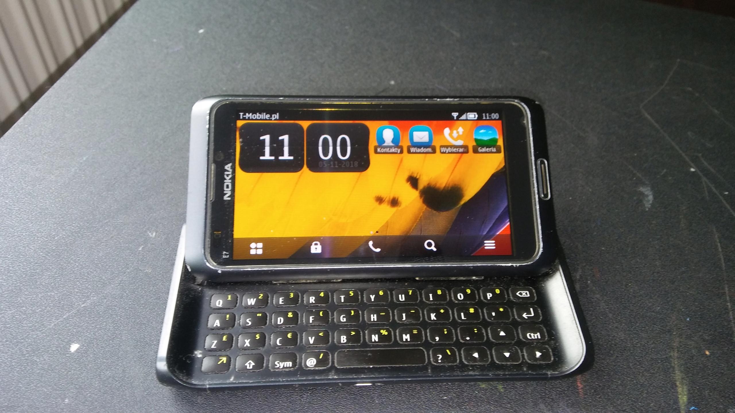 Nokia E7 plus gratisy POLECAM !!!