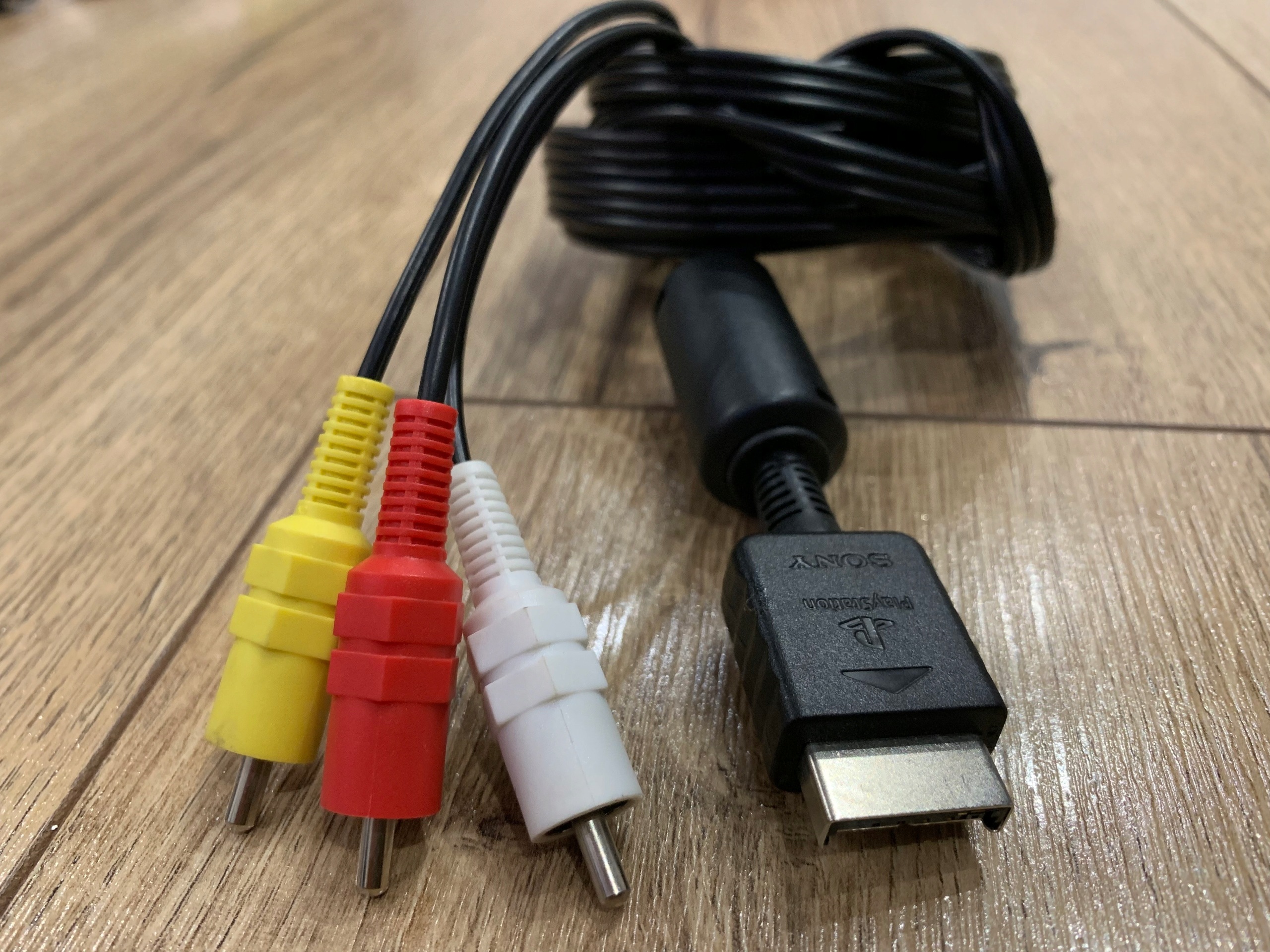 Oryginalny kabel AV CHINCH PS2 PS3