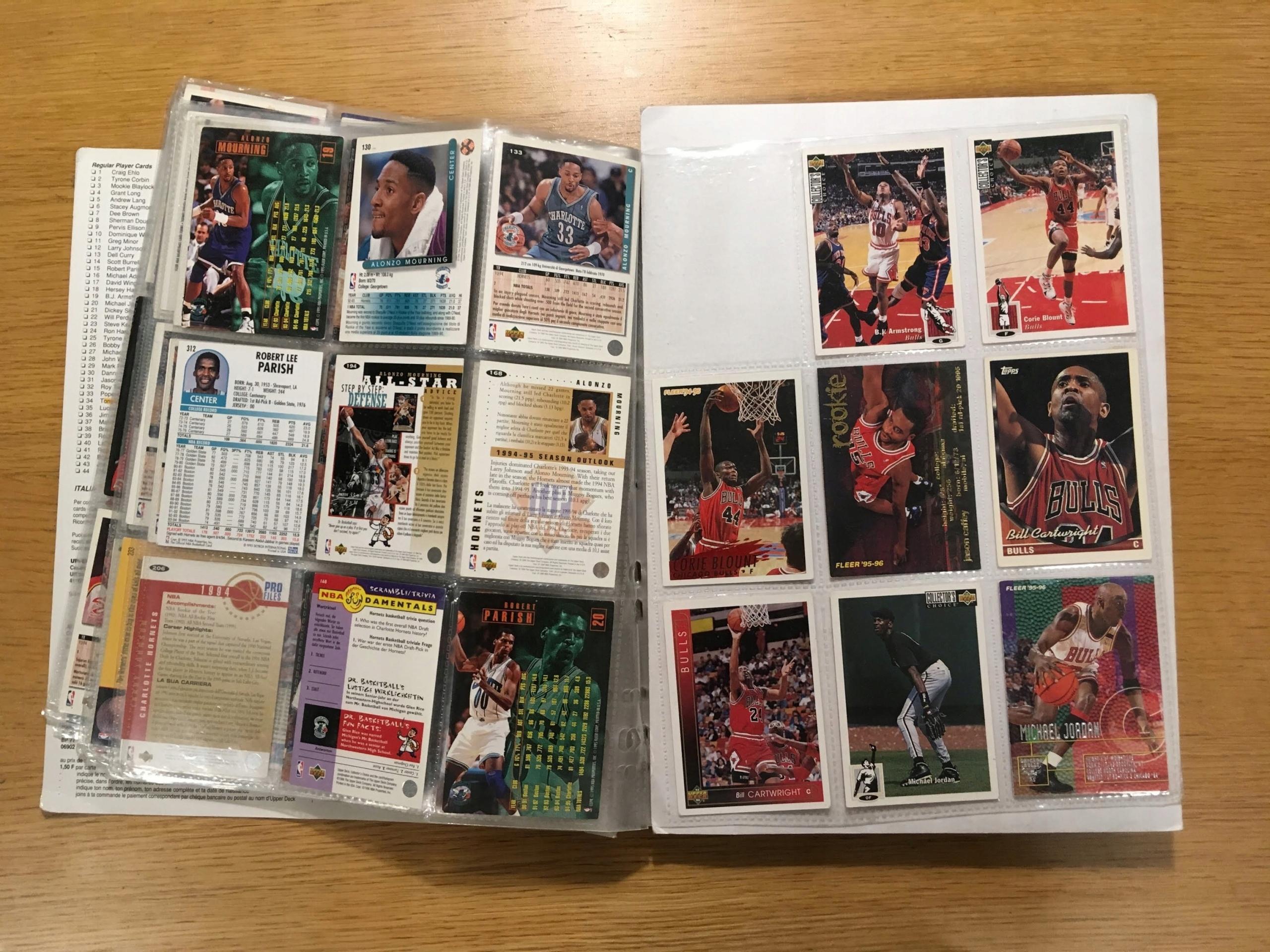 Kolekcja kart koszykarskich z lat 90.
