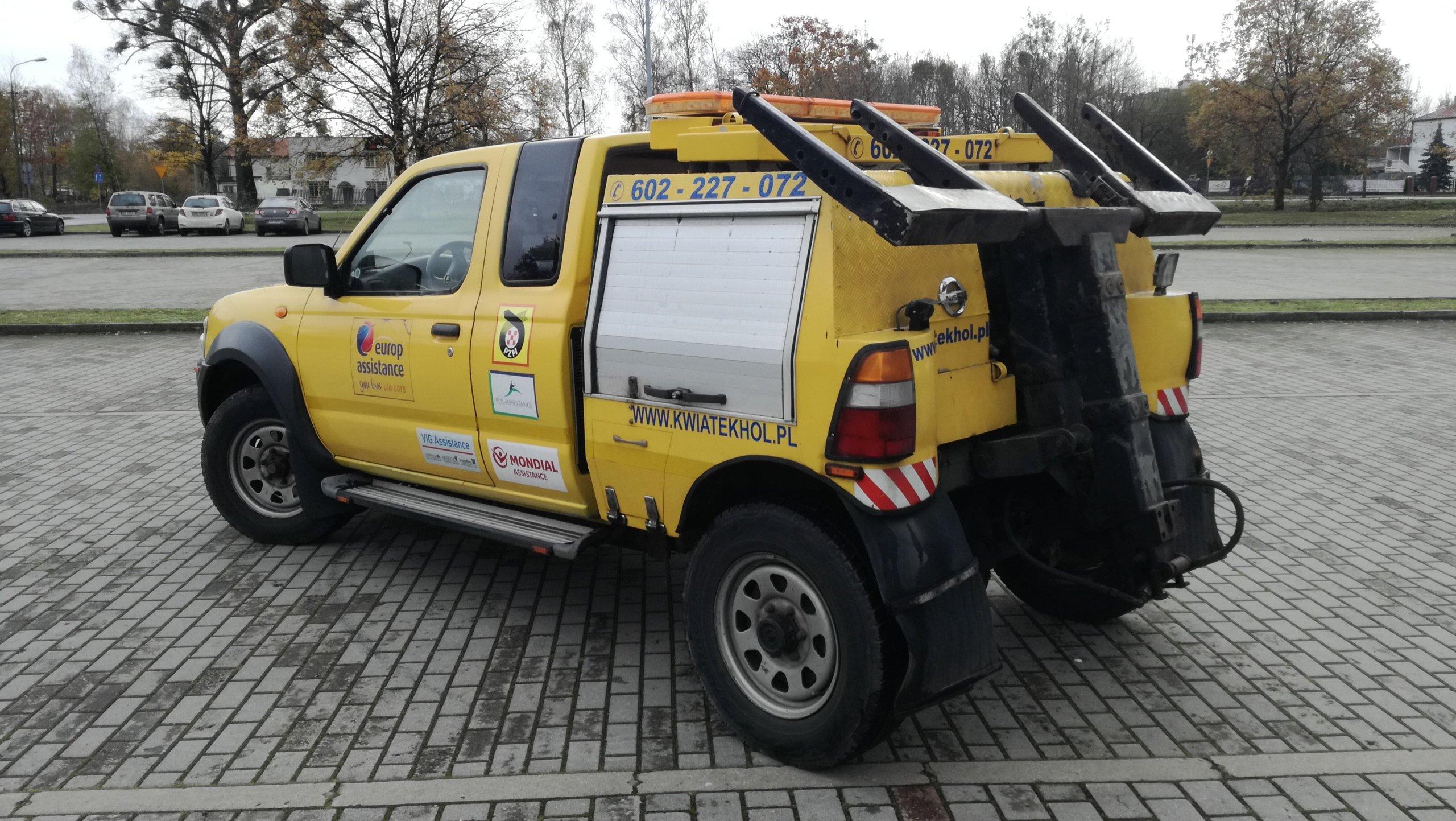 Bardzo dobryFantastyczny Nissan Navara samochód specjalny Pomoc Drogowa - 7054603761 BC21
