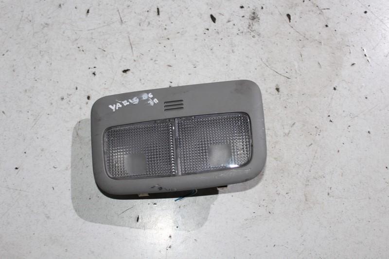 Toyota Yaris Ii 06 3d Lampka Oświetlenie Wnętrza