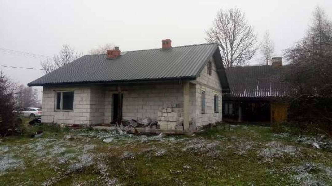 Dom z dzialka siedlisko nad Liwcem, 70km od Wawy.