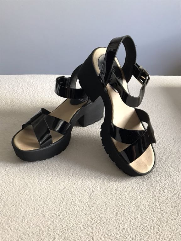 7e79feb305128f KMB czarne skórzane sandały na platformie - 7358552291 - oficjalne ...