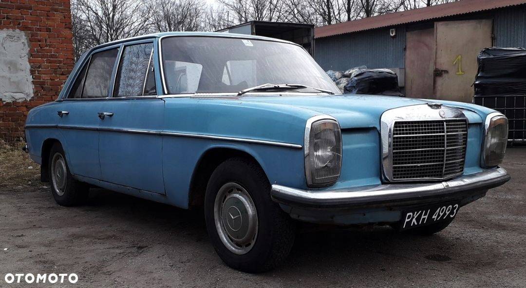 Mercedes w115 200D 1970rok. CZARNE TABLICE