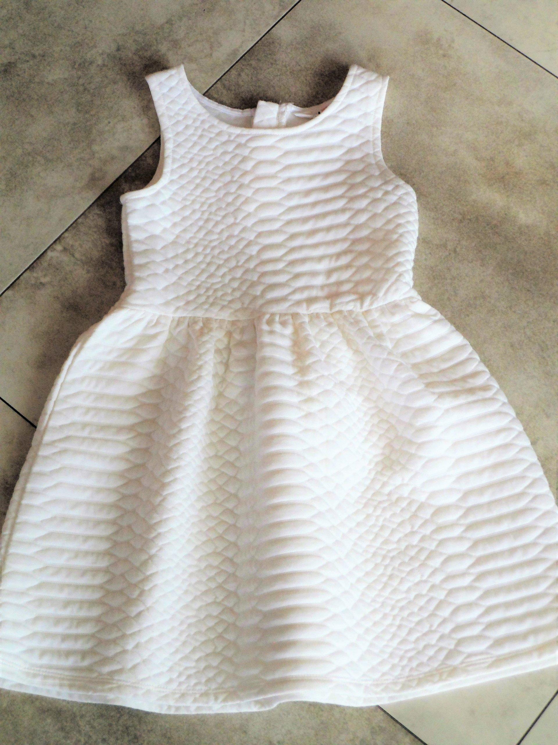 2c6099290e H M piękna mięciutka biała sukienka 110 116 - 7187693132 - oficjalne ...