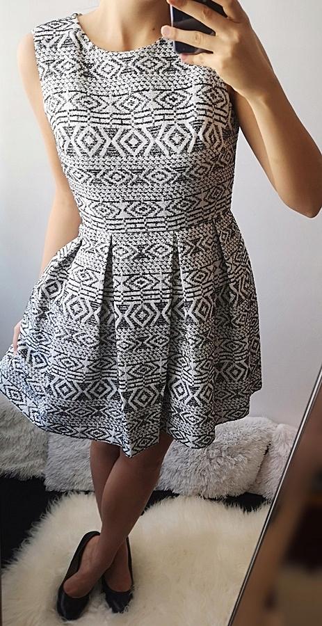 Zestaw sukienek nowych uniwersalne