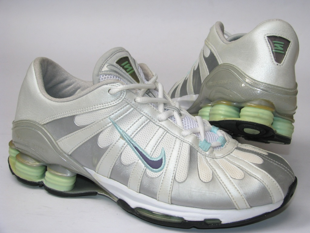 Nike Shox buty Skórzane r 40 czyste 75%