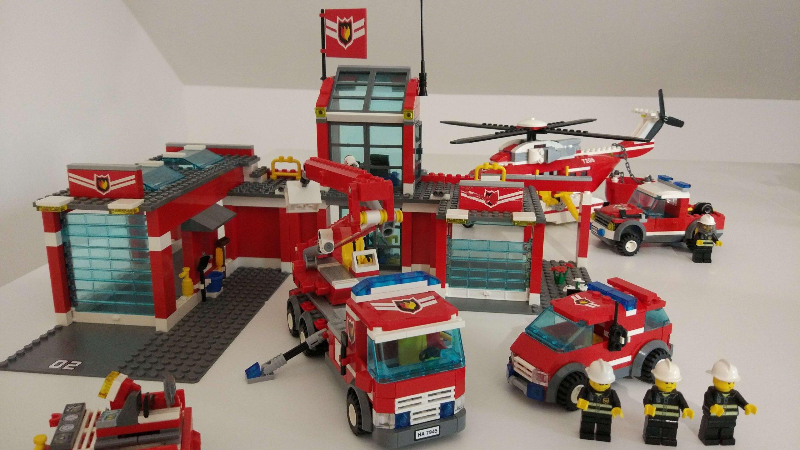Kolekcja Lego City Straż Pożarna Klocki Od 1 Zł 7168075763