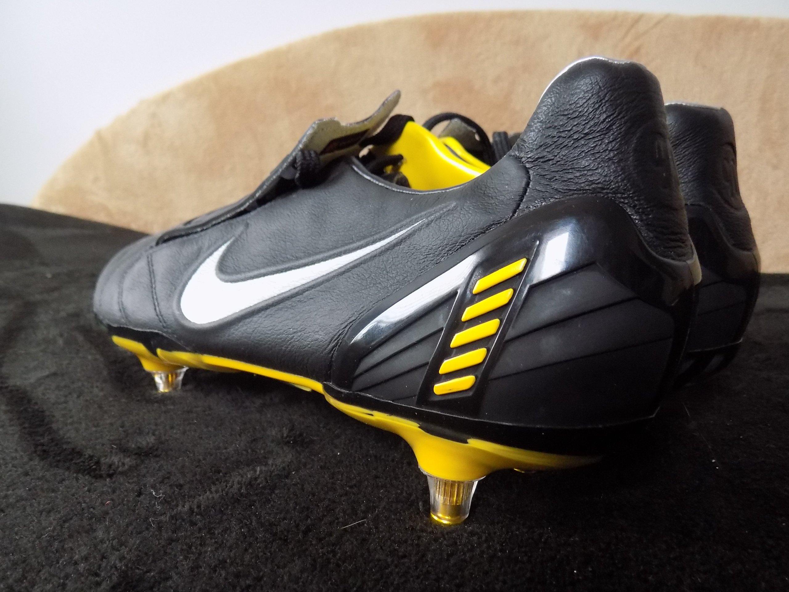 ekskluzywne buty buty na tanie Cena hurtowa NOWE KORKI NIKE TOTAL 90 ŻÓŁTO CZARNE R. 43