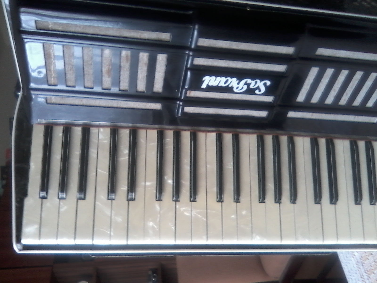 Sprzedam stary model akordeonu Soprani