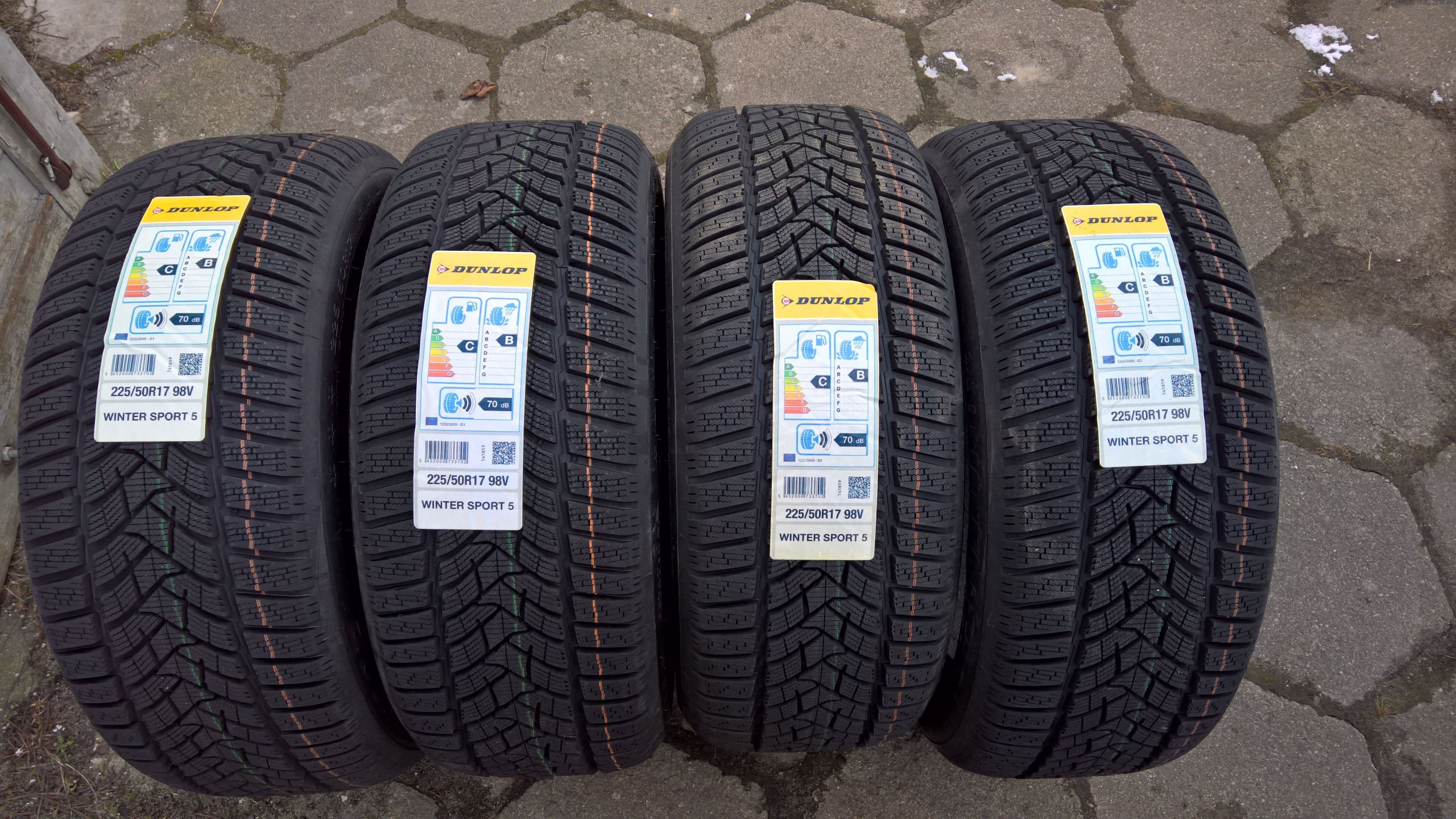 4x 225 50 17 98V XL DUNLOP WINTER SPORT 5 NOISE
