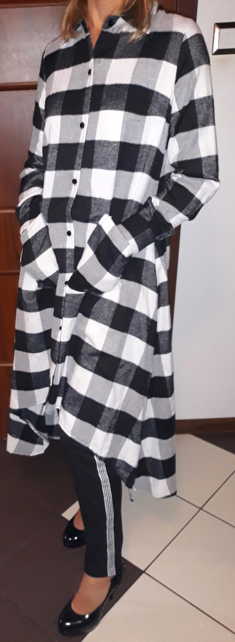 Długa sukienka w biało czarną krate 7661802140 oficjalne
