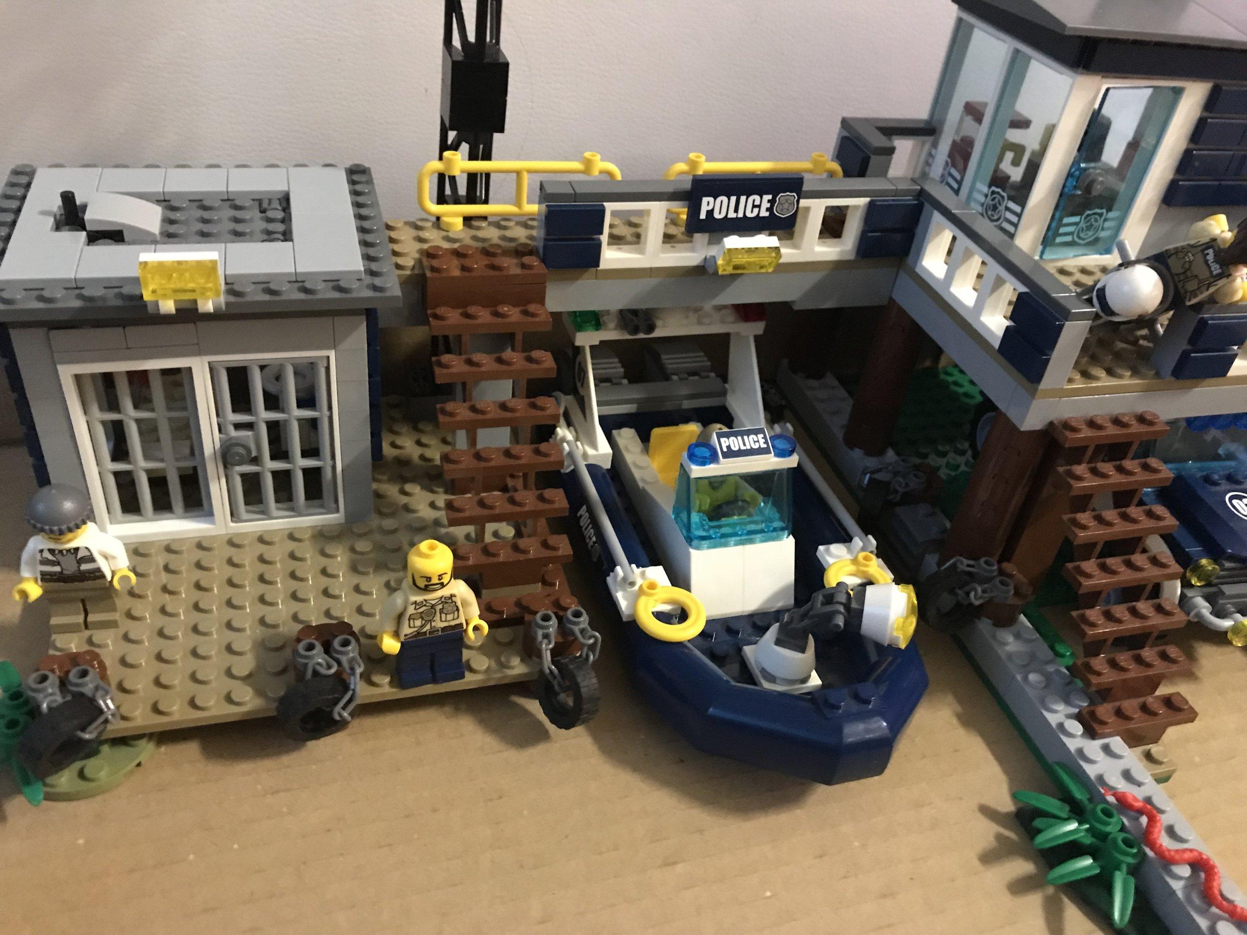 Lego Posterunek Policji Z Bagien 60069 7158155821 Oficjalne