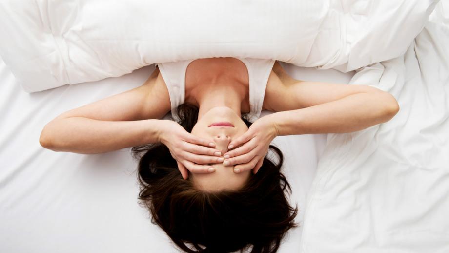 Zaskakujące objawy świadczące o tym, że śpisz na złym materacu