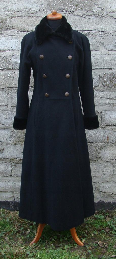 Długi płaszcz męski w stylu wojskowym Goth