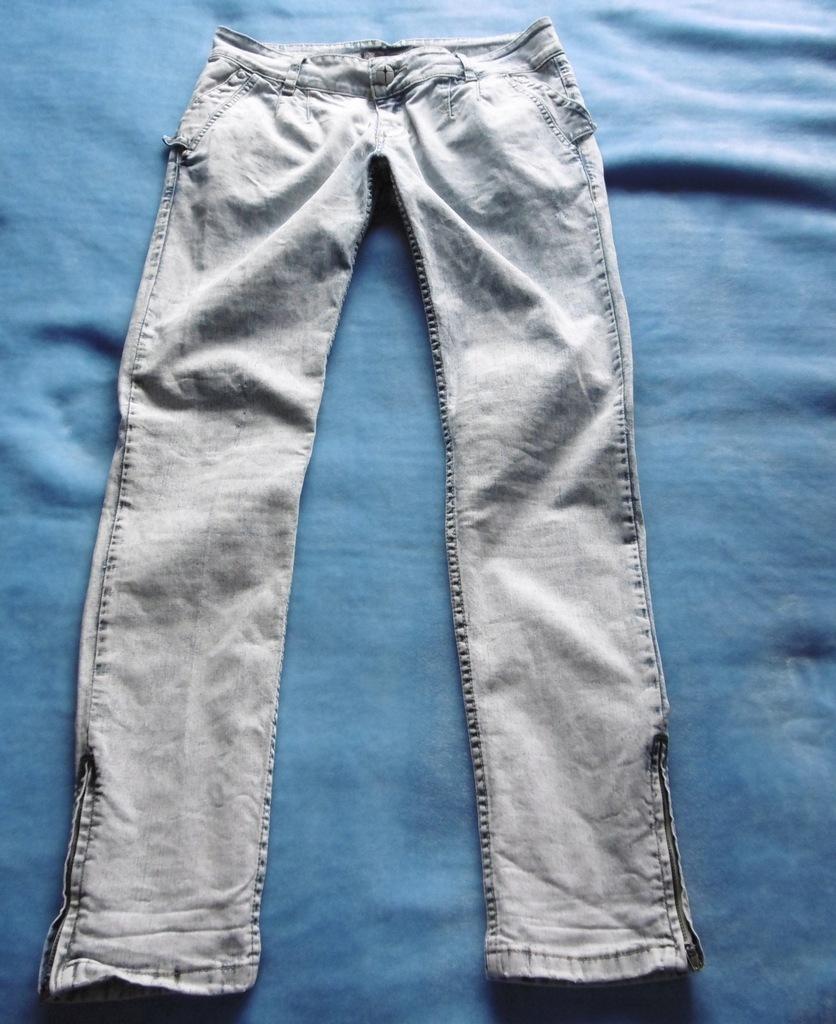 Reserved spodnie roz 31/34 damskie