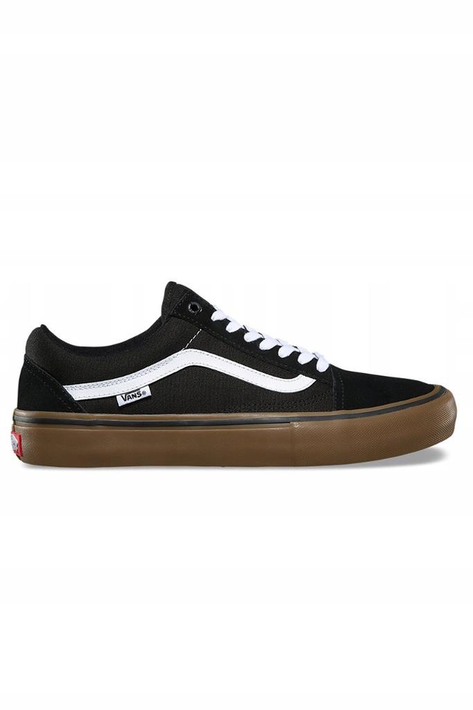 all black and vans old skool. | Stylizacje, Stylowa moda, Moda