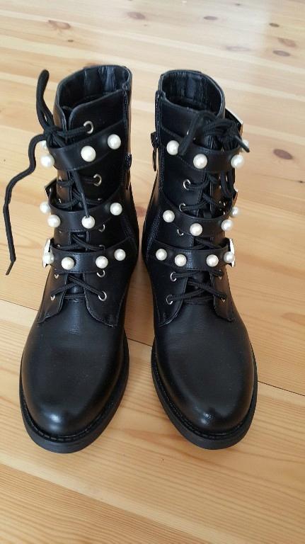 Czarne botki workery perły 38
