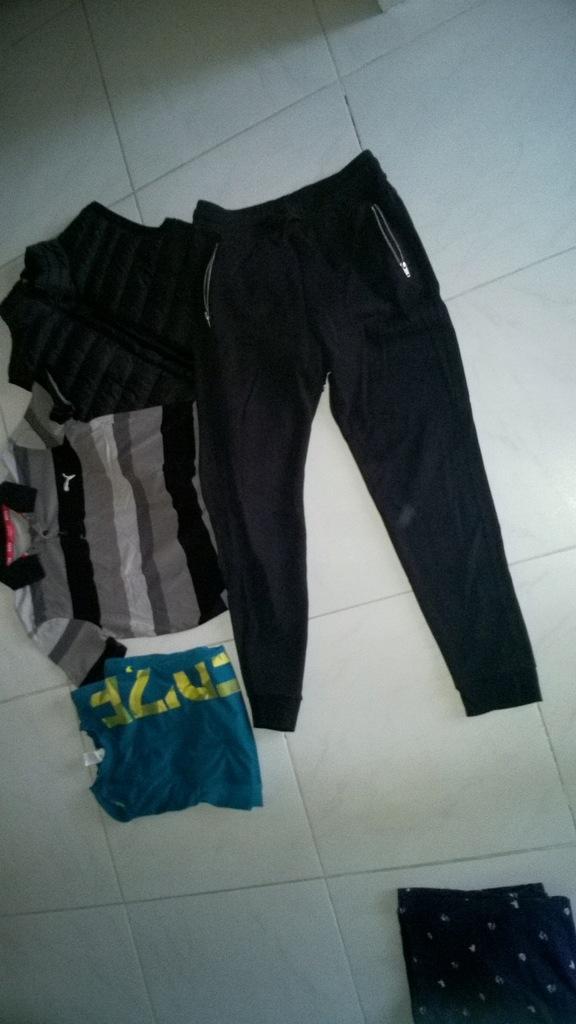 Zestaw ubrań męskich XS