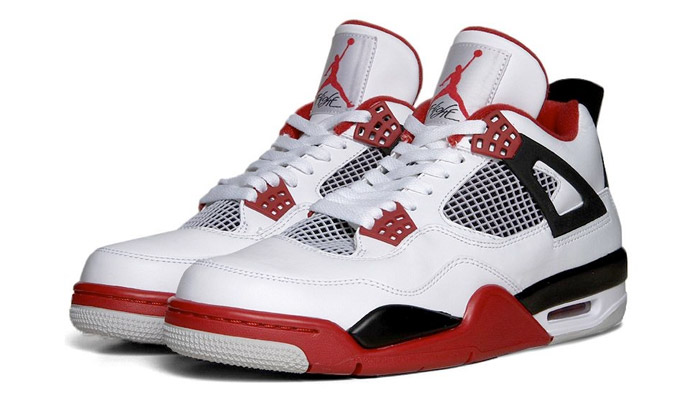 Air Jordan IV Retro Fire Red. |