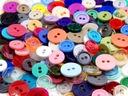 GUZIKI kolorowe 2 wielkości -100 sztuk / 3,20 zł