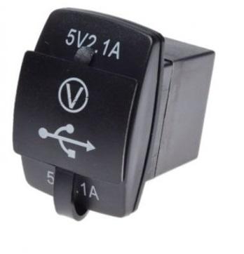 MOTOCYKEL, SKÚTER USB KONEKTOR USB2x2.1A