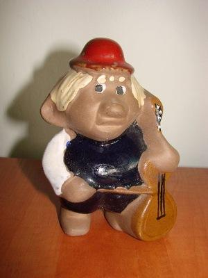 MUZYKANT ceramiczna figurka