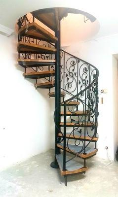 Лестница Вьющиеся ,спиральные ,кованые,перила