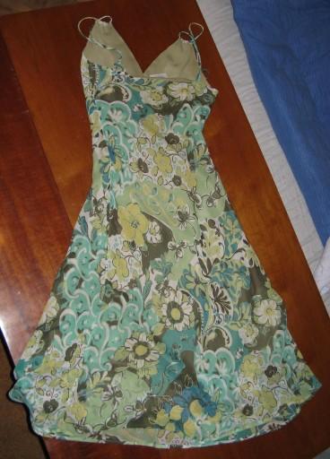 Zielona zwiewna sukienka na ramiączkach rozm. 36 S
